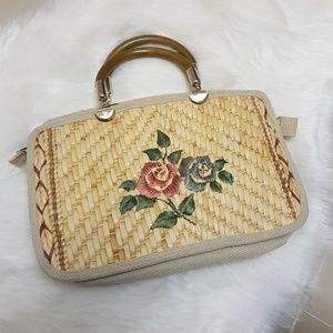 Vintage floral embroidered straw bag wooden handle